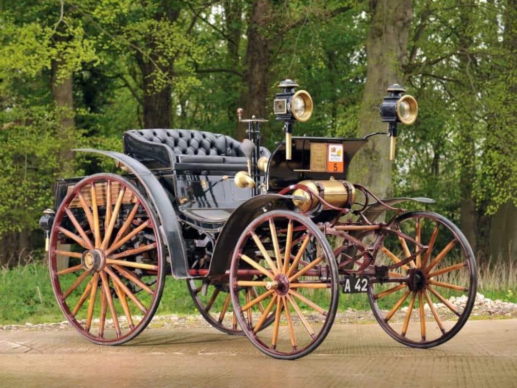 В 1894 году Бенц выпустил модель Victoria