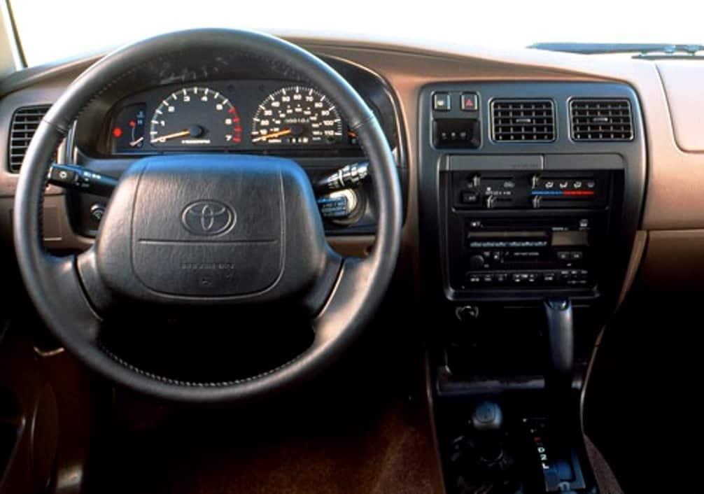 Toyota 4Runner 1994 фото, проходимость, обзор интерьера, двигатель