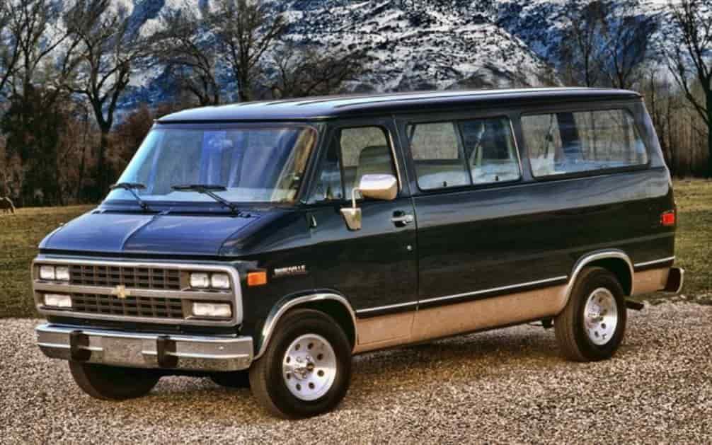 Chevrolet G20 – обзор дизайна, салона и технические характеристики, фото