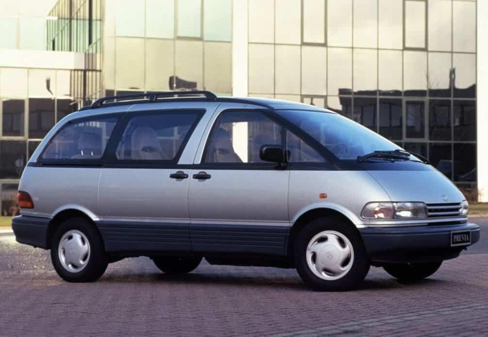 Toyota Previa 1992, 1993, 1994 года характеристики, обзор и фото