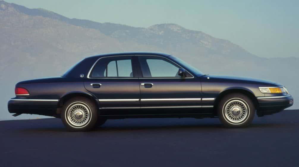 Гранд Маркиз Mercury Grand Marquis 1992 фото, двигатель 4,6, обзор