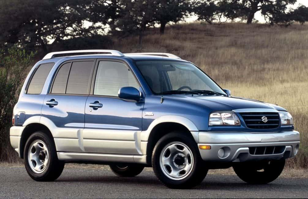 Сузуки Гранд Витара 1999 2.5 автомат, технические характеристики, фото Suzuki Grand Vitara 1999