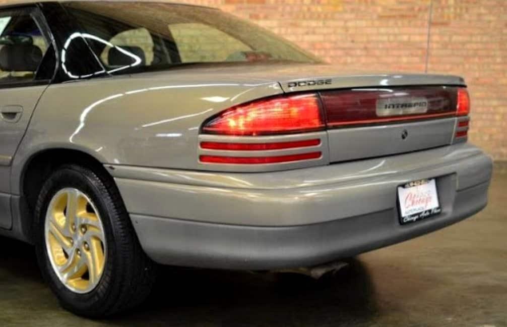 Dodge Intrepid 1993-1994 Додж Интрепид 3.5 характеристики, размер
